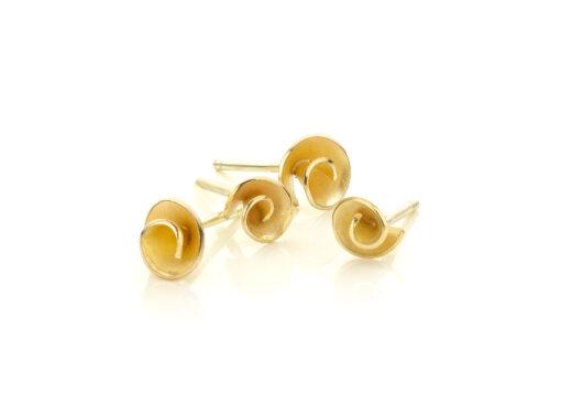 Roosjes oorbellen 14 k goud Nicoline van Boven