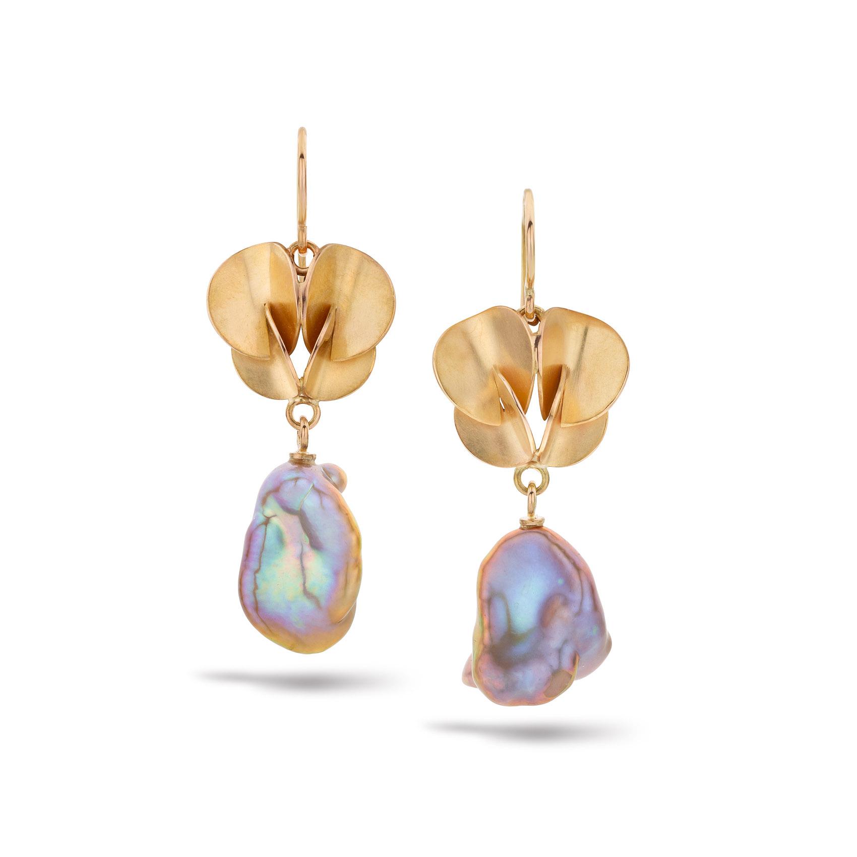rose gouden Papillon oorbellen met Keshi parels