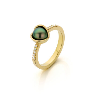 Midsummer Night`s Dream ring 18 k geelgoud met Tahiti parel en diamant Nicoline van Boven