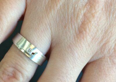 Trouwring in zilver met diamant Nicoline van Boven