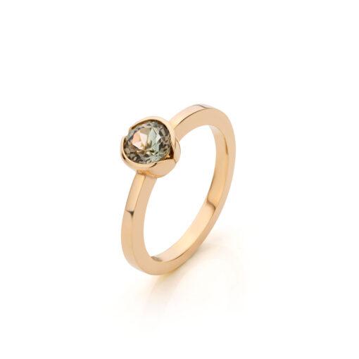 Midsummer Night`s Dream ring 18 k rosé goud met groene toermalijn, Nicoline van Boven
